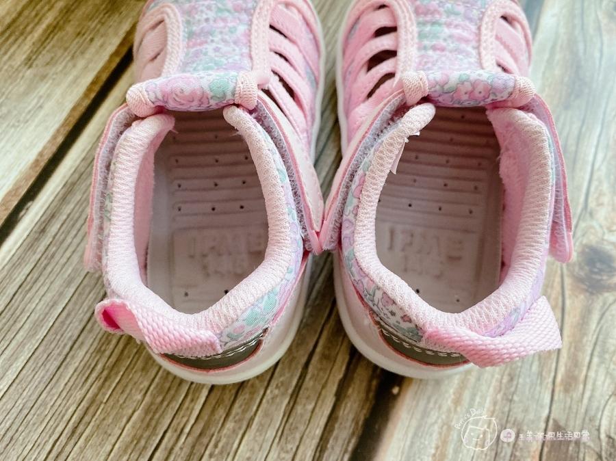 寶寶的第一雙日本IFME機能童鞋 夏天就該有一雙透氣水涼鞋_img_30