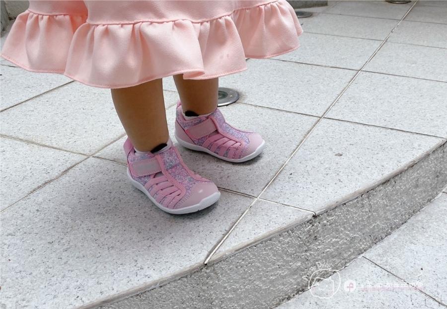 寶寶的第一雙日本IFME機能童鞋 夏天就該有一雙透氣水涼鞋_img_22