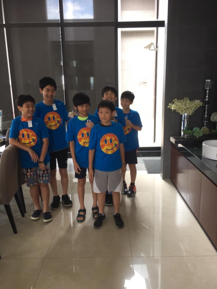 熏弟:同學的爸爸集訓科展選手們