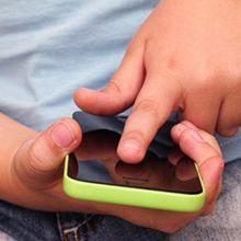 國中前孩子最容易「手機成癮」  父母該怎麼做?
