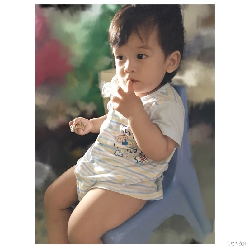 早餐:全麥bun + 袋子(咦?)🤔️🤣 #AidricCHM #寶寶 #育兒 #育兒日記 #育兒生活 #育兒經驗 #blw #blwbaby #babyledweaning #我的媽媽力 #萌娃 #新手媽媽