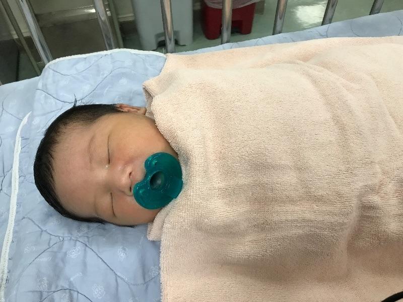 #新生兒報到 聽到你哇哇哭的那一刻,媽媽感動的流眼淚了,謝謝你來當我的小寶貝,媽媽希望你平安健康長大噢!