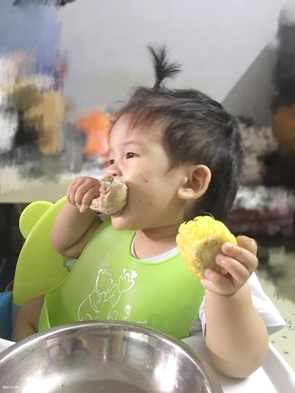 週末就是要吃得豪邁吃得好😋 1y2m #AidricCHM #寶寶 #育兒 #育兒日記 #育兒生活 #育兒經驗 #blw #blwbaby #babyledweaning #blwtaiwan #寶寶主導式斷奶 #我的媽媽力 #健康 #萌娃 #新手媽媽
